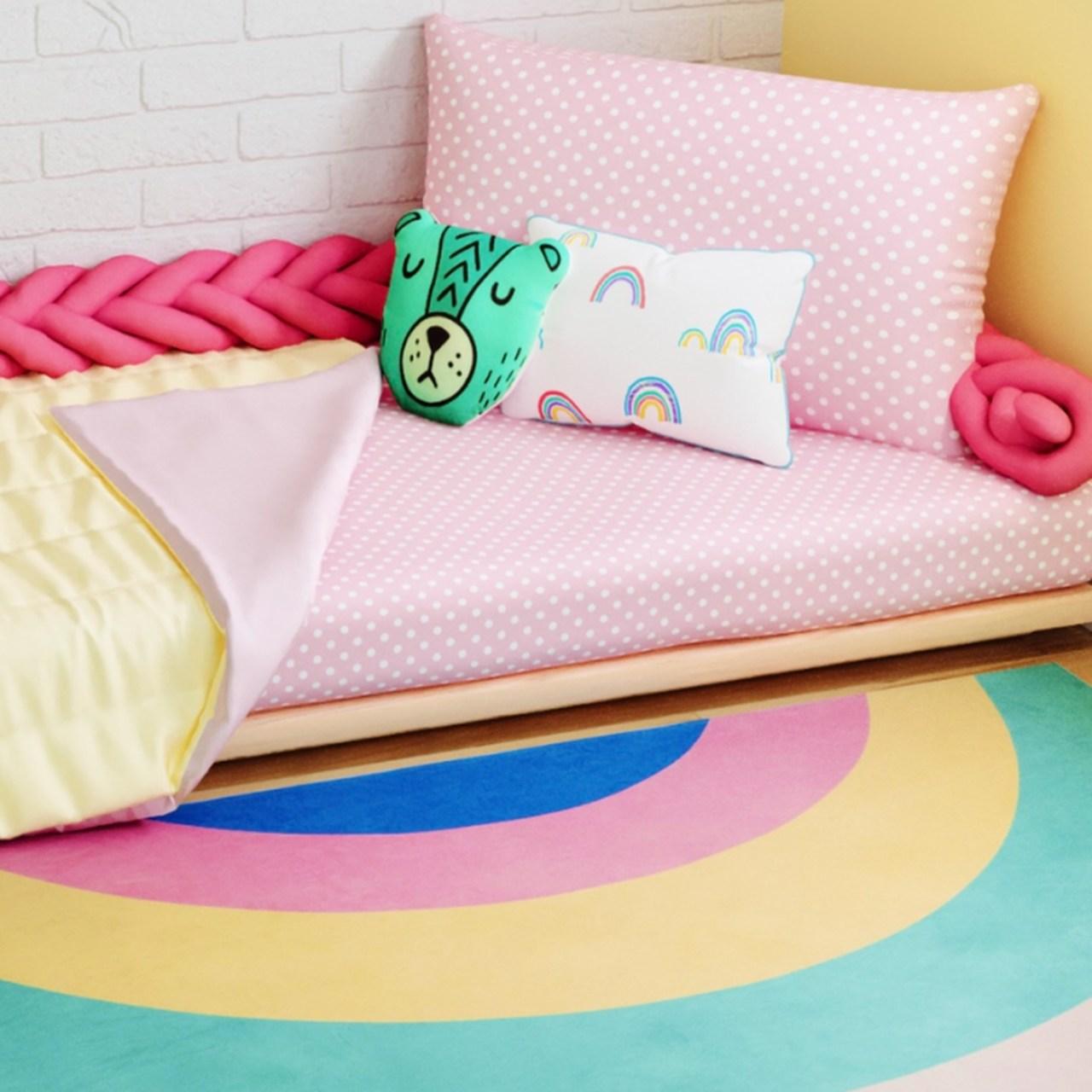 Jogo lençol de elástico solteiro estampa Confete rosa