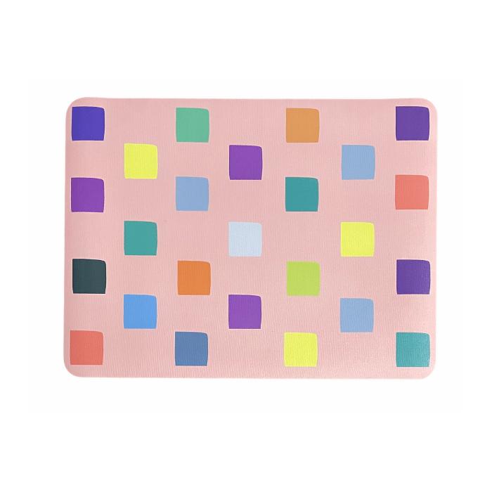 Lugar americano infantil quadradinhos fundo rosa