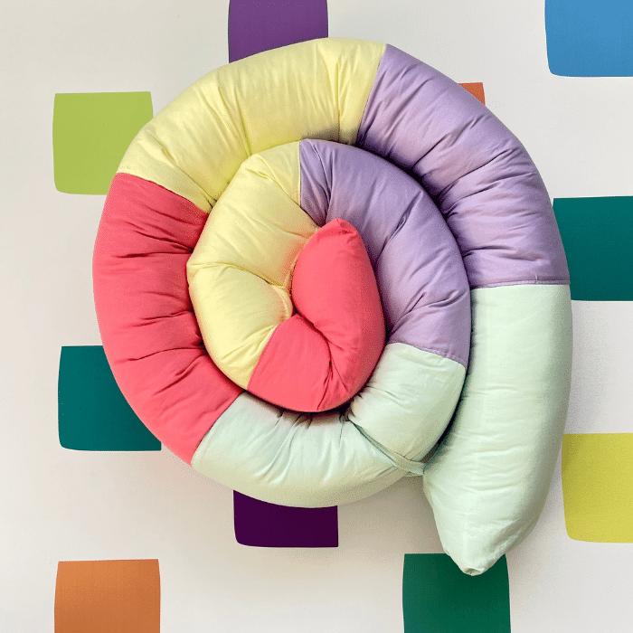 Protetor minhocão 100 % algodão arco íris lilás