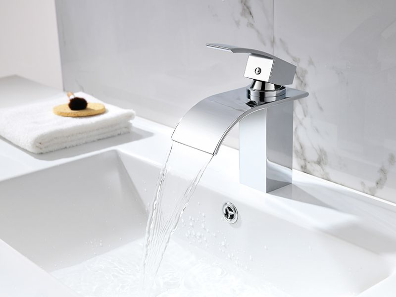 Torneira Misturador Monocomando Cascata Quadrado Banheiro 8872-PB