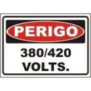 380 / 220 volts