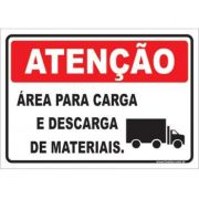 Área Para Carga e Descarga de Materiais