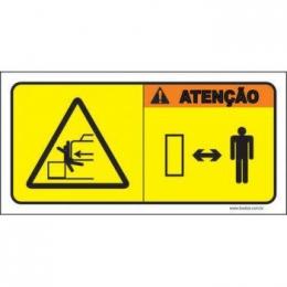 Atenção cuidado com o movimento de máquinas