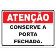 Conserve a Porta Fechada.