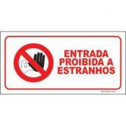 Entrada proibida a estranhos