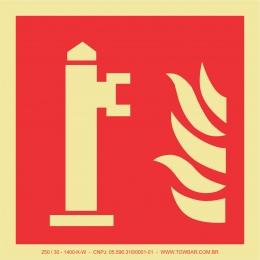 Hidrante (Fire hydrant)