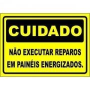 Não Executar Reparos Em Painéis Energizados