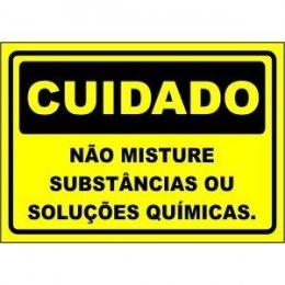 Não Misture Substâncias Ou Soluções Químicas