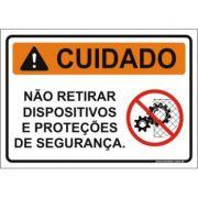 Não retirar dispositivos e proteções de segurança