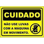 Não Use Luvas Com a Máquina Em Movimento