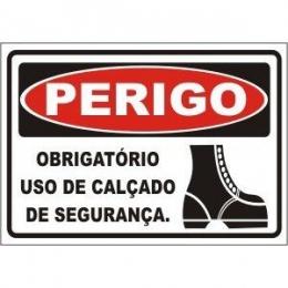Obrigatório uso de calçado de segurança