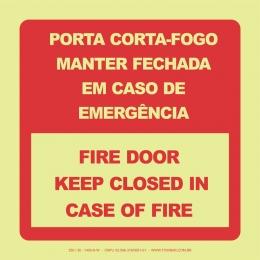 Porta Corta-Fogo Manter Fechado em Caso de Incêndio