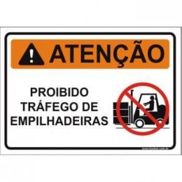 Proibido tráfego de empilhadeiras