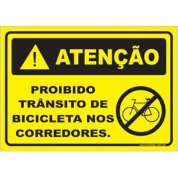Proibido trânsito de bicicleta no corredor