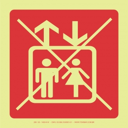 Proibido Uso de Elevador