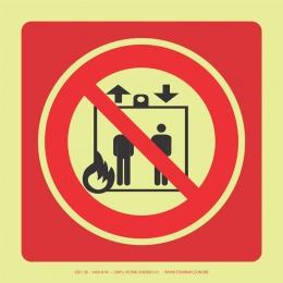 Proibido Uso de Elevador em Caso de Incêndio