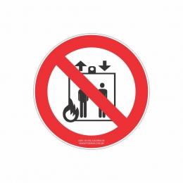 Proibido utilizar elevador em caso de incêndio