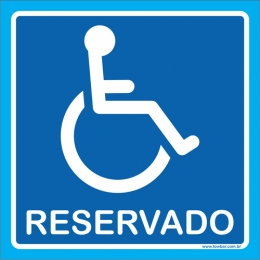 Placa reservado para cadeirante
