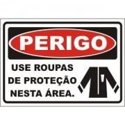 Use Roupas de Proteção Nesta Área