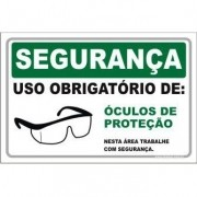 Uso Obrigatório de óculos de proteção
