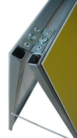 Cavalete - escada rolante em manutenção  - Towbar Sinalização de Segurança