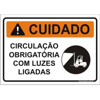 Circulação obrigatória com luzes ligadas  - Towbar Sinalização de Segurança