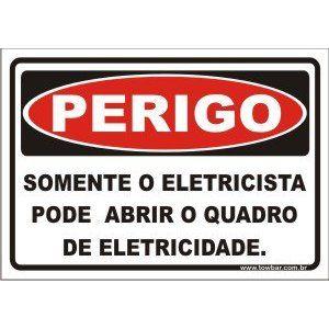 Somente eletricista pode abrir o quadro de eletricidade  - Towbar Sinalização de Segurança