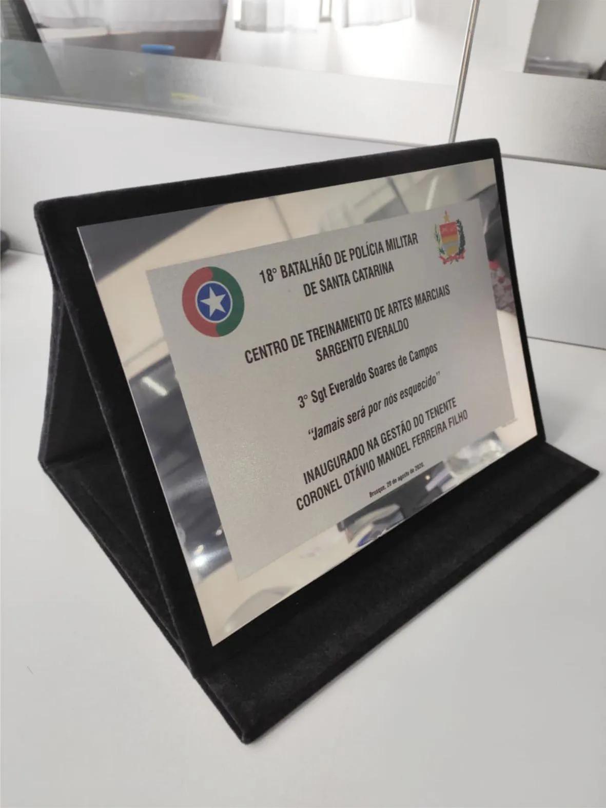 Placa de Homenagem em INOX - 26x18cm  - Towbar Sinalização de Segurança