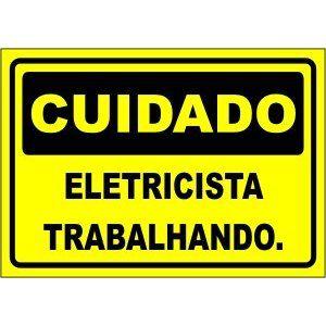 Eletricista Trabalhando  - Towbar Sinalização de Segurança