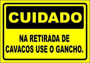 Na Retirada de Cavacos Use Gancho  - Towbar Sinalização de Segurança