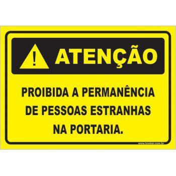 Proibido a permanência de pessoas estranhas  - Towbar Sinalização de Segurança
