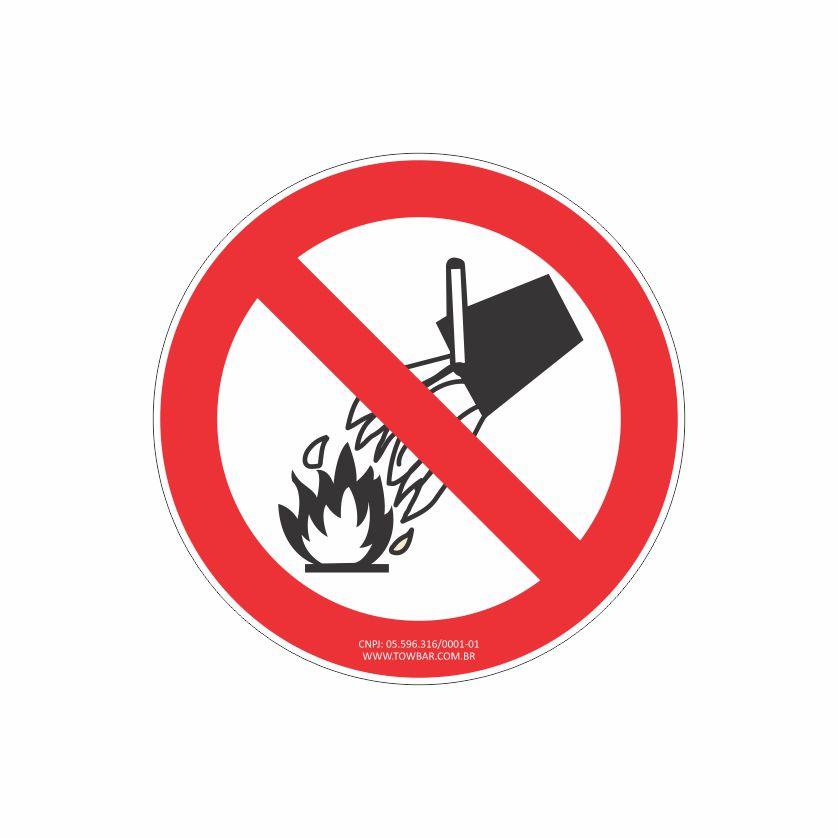 Proibido utilizar água  - Towbar Sinalização de Segurança