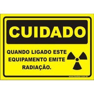 Quando Ligado Este Equipamento Emite radiação  - Towbar Sinalização de Segurança