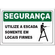 Utilize a escada somente em locais firmes  - Towbar Sinalização de Segurança