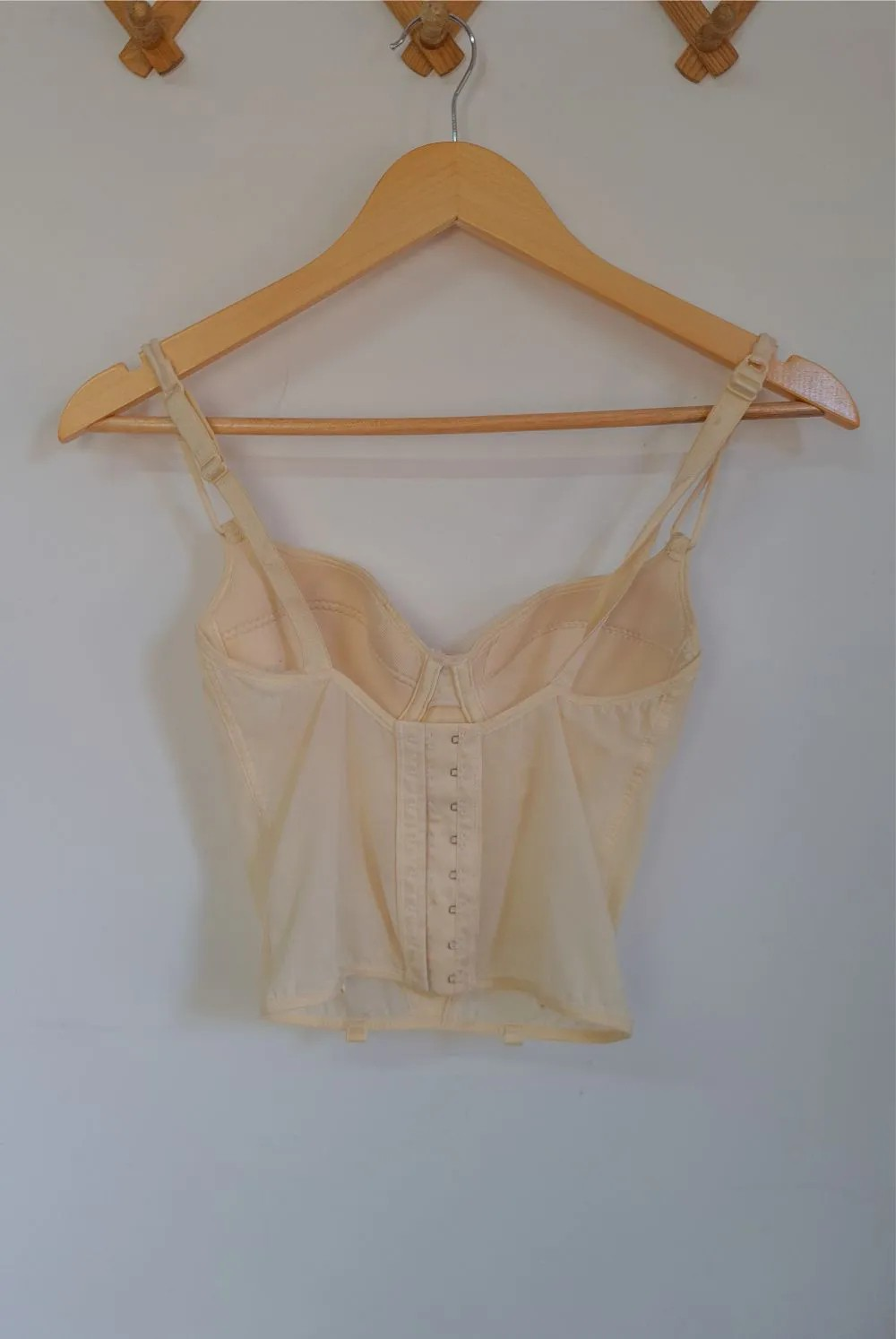 CORSELET BEGE P