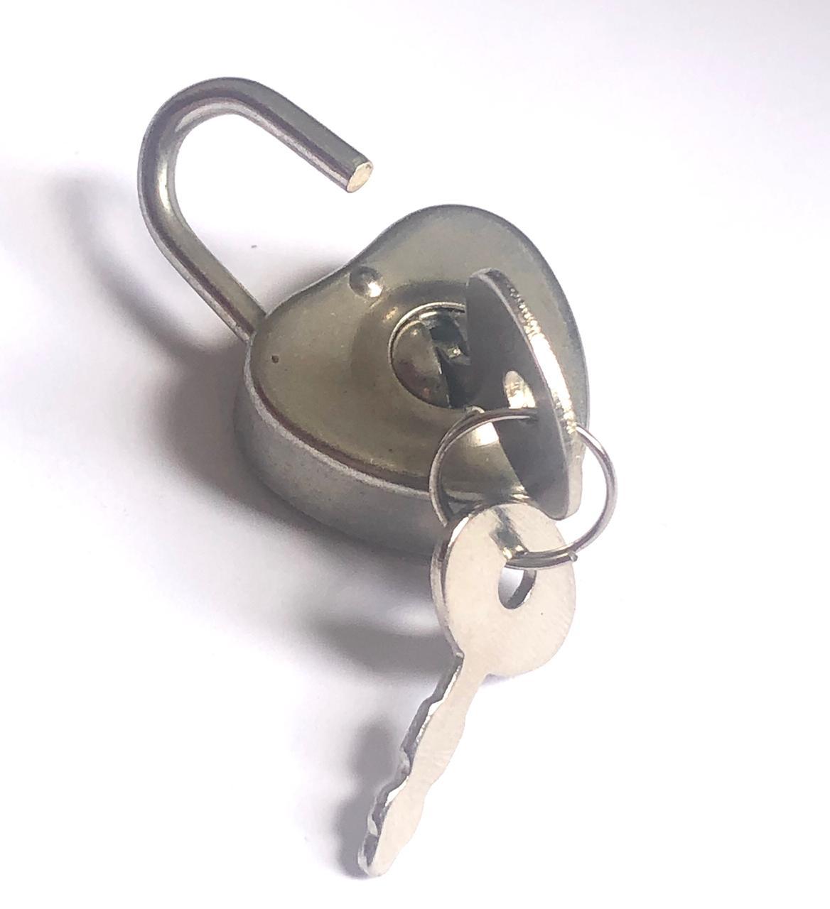 Mini Cadeado Coração - Prata