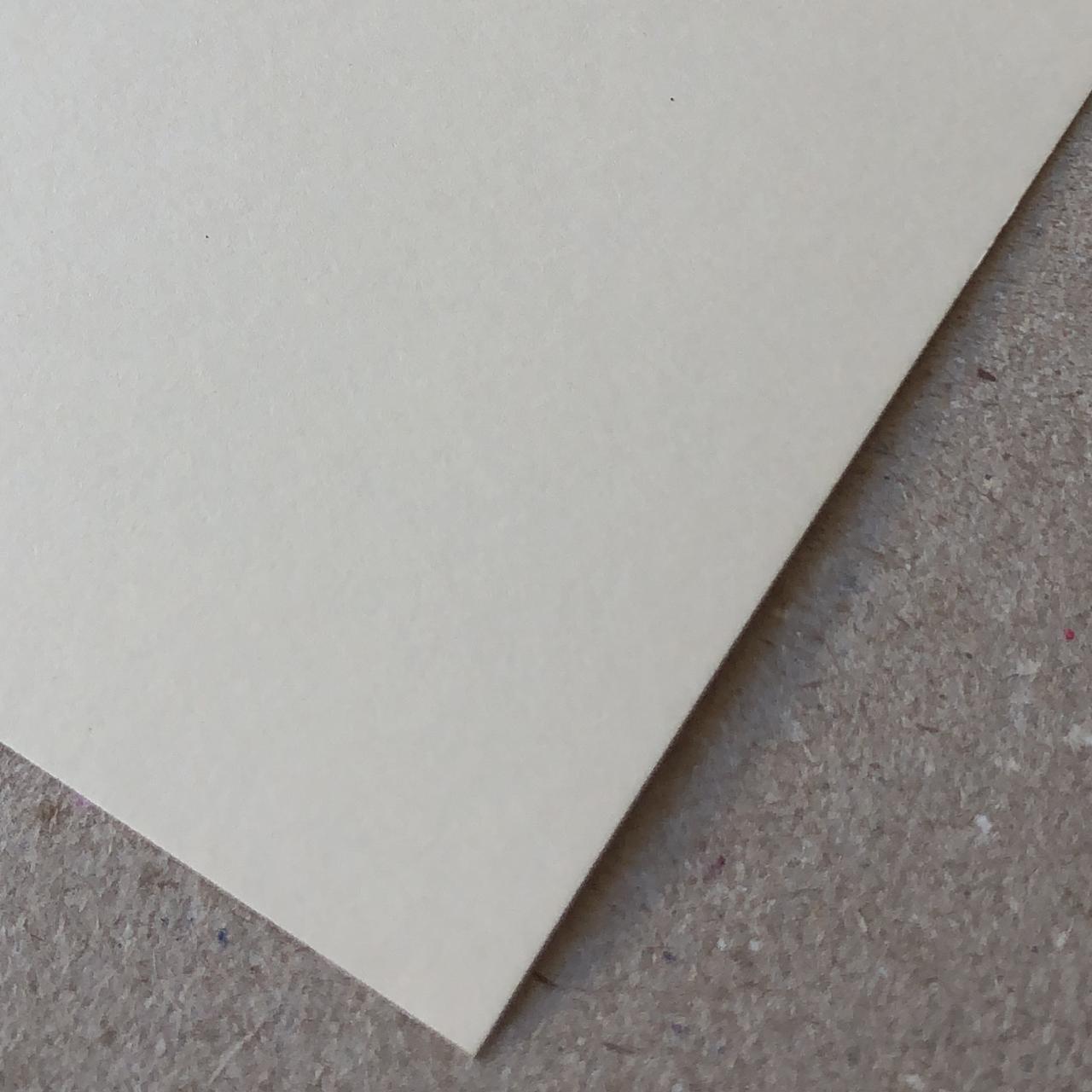 Papel Color Plus - Marfim (Bege) 180 g/m² - 30,5 x 30,5 cm