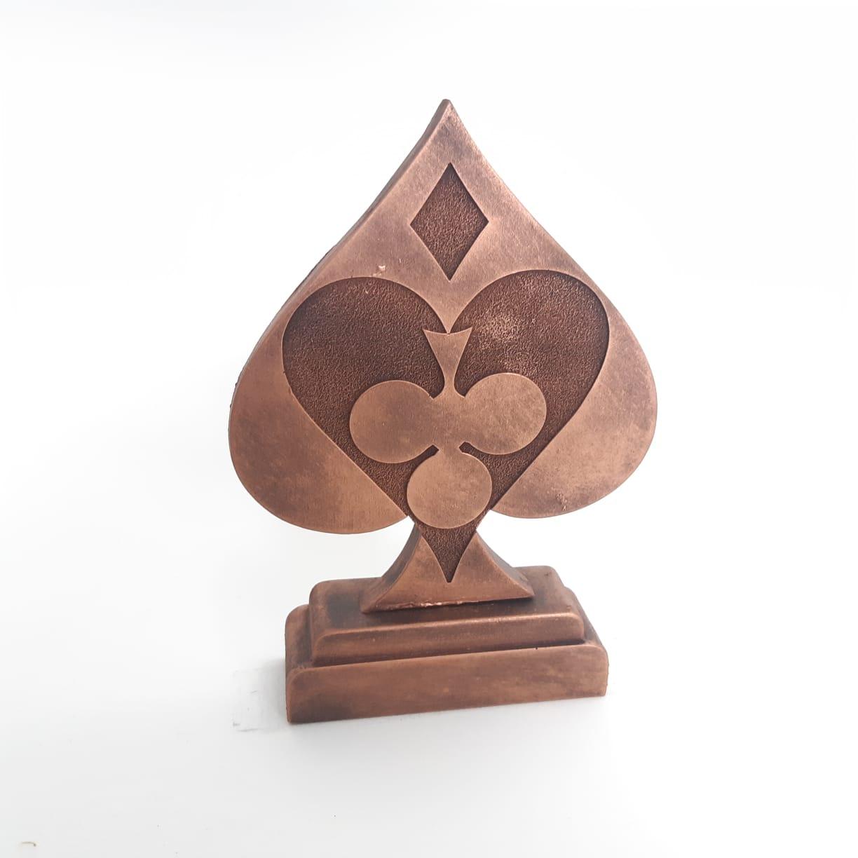 Troféu em resina- Poker / Nipes / Espada