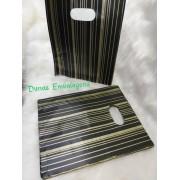 Sacola Plástica 20x25- pct c/100 unidades - Preto listras douradas