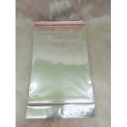 Saquinho plástico adesivado 14.5x20 com furo pacote com 1000 unidades