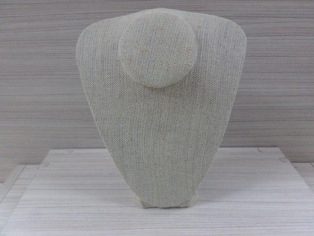 Busto M JUTÁ 25X22X9