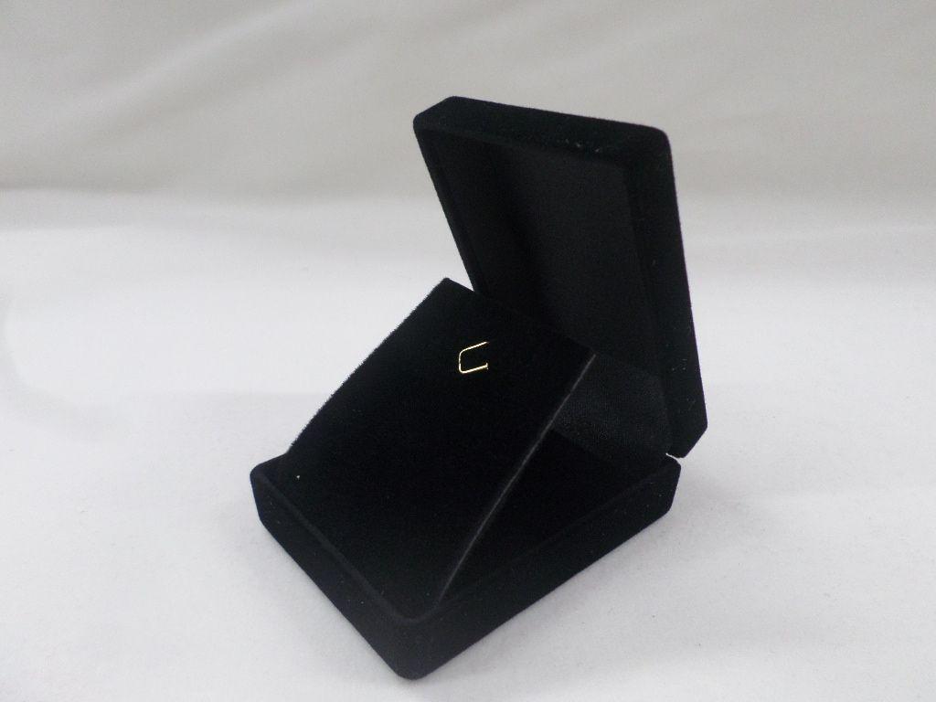 Caixa Veludo Preto  (corte lateral p/corrente ) 5.5x6.5