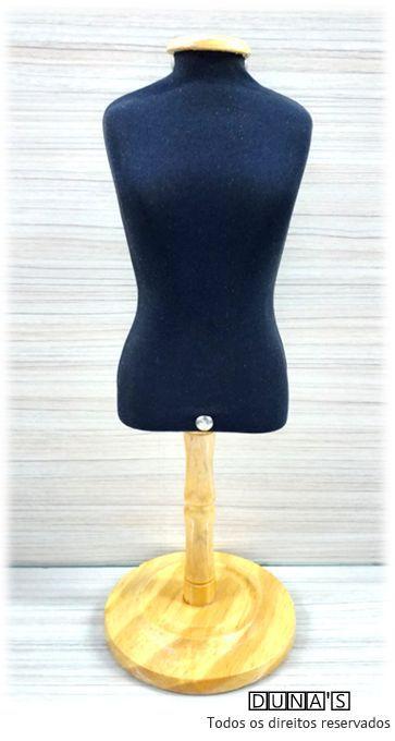 Manequim P tecido preto com pé de madeira ( 37cm altura total )