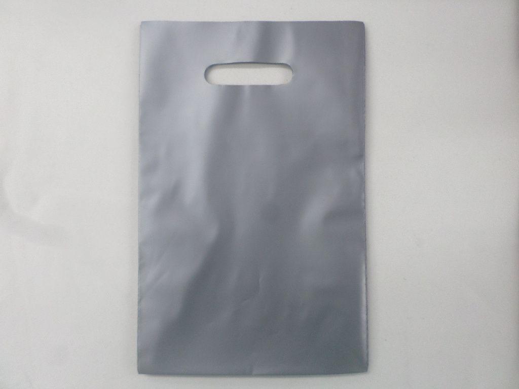 Sacola Plástica 20X30 PRATA -alça boca de palhaço