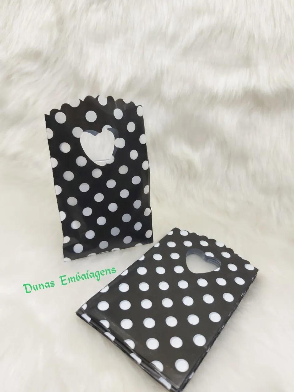 Sacola Plástica ( Preta bolinhas brancas   ) 9x15 pacote com 100 unidades