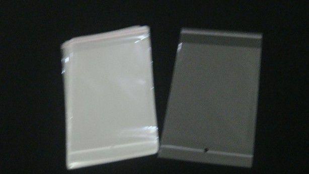 Saquinho plástico adesivado 20x25 com furo pacote com 100 unidades