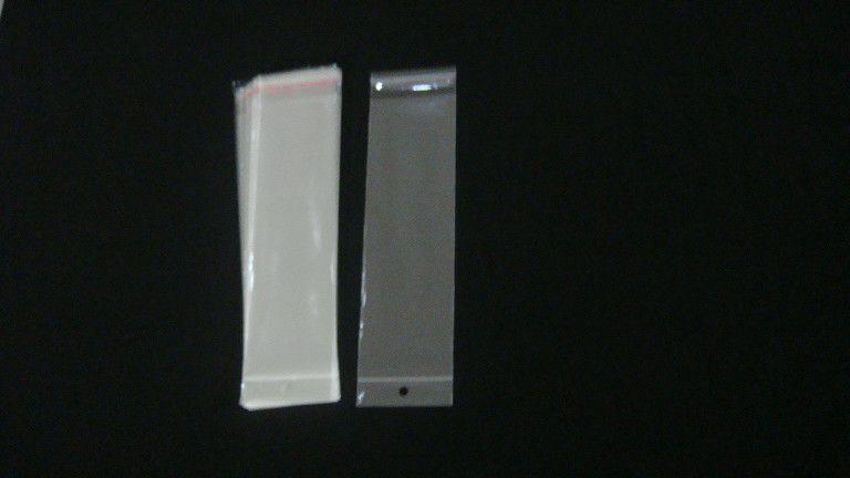 Saquinho plástico adesivado 8x25 com furo pacote com 1000 unidades