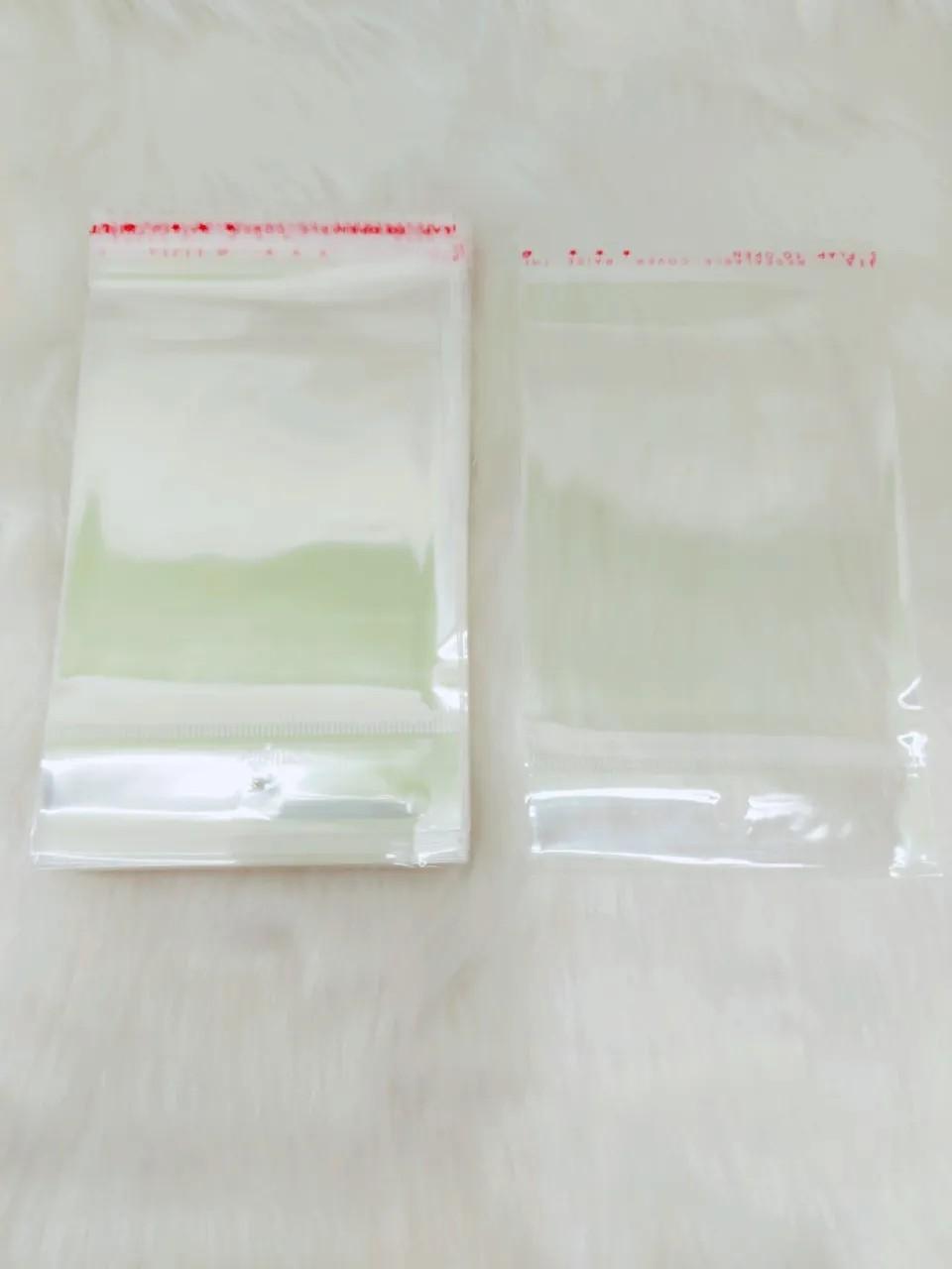 Saquinho plástico adesivado 8x8 com furo pacote com 1000 unidades