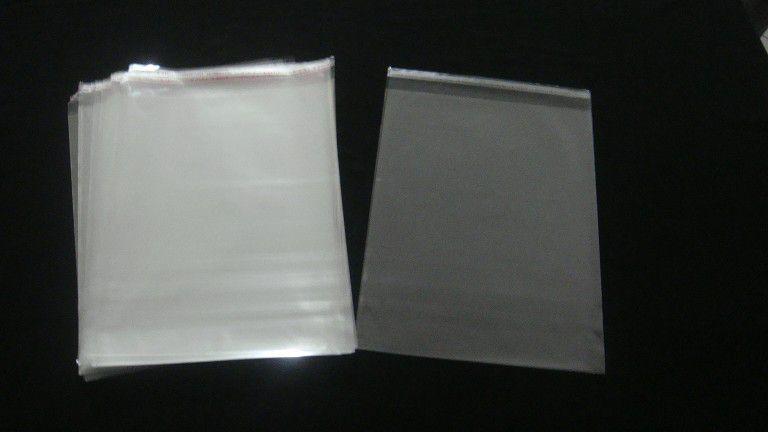 Saquinhos plástico adesivado 22x30 pacote com 100 unidades