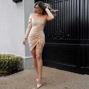 Vestido Kim Ombreira em Malha Aveludada